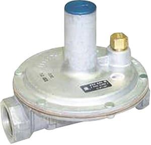 Maxitrol 325 Series 1/2 in. Aluminum NPT Gas Regulator Valve M3255AD