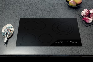 Wolf Range 30 in. Smoothtop Electric Cooktop with Burner in Black WCE304CB