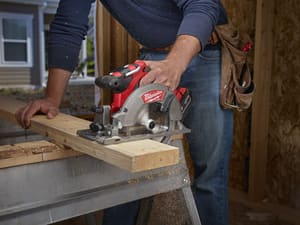 Milwaukee M18™ 18 V 6-1/2 in. Circular Saw Kit with Battery M273022