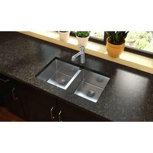 Elkay Crosstown® 30-3/4 x 18-1/2 in. Stainless Steel Double Bowl Undermount Kitchen Sink EEFRU3118