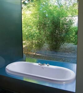 Melinda 7 65-1/2 x 35-1/2 in. Soaker Drop-In Bathtub with Center Drain in White MTIS190WHDI