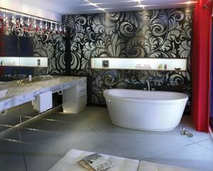 Maax US Jazz 66 x 36 in. Acrylic Bath Tub with Massage in White M105359055001