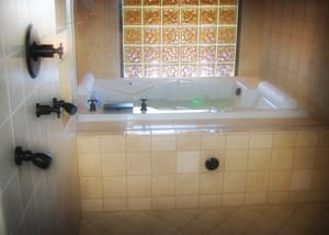 Hydro Systems Ashley 72 x 48 in. Rectangle Whirlpool Bathtub with Corner Drain in White HASH7248AWPWHI