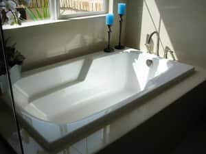 Hydro Systems Solo 66 x 30 x 19 in. Acrylic and FRP Drop-In Rectangle Bathtub Only with End Drain in White HSOL6630ATOWHI
