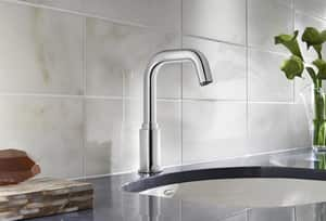 American Standard Serin® No Handle Sensor Bathroom Sink Faucet in Polished Chrome A206B105002