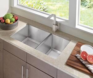 Moen 90 Degree™ Single Handle Kitchen Faucet in Spot Resist ...