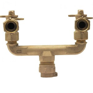 Mueller Company 1 x 3/4 x 3/4 in. Pack Joint x MIPT Water Service Brass U Branch Connector MP1536303NGF712