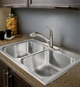 Moen Integra® Single Handle Pull Out Kitchen Faucet in Polished Chrome M67315C