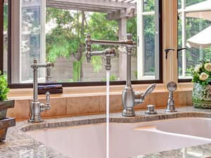 Waterstone Towson 1.1 gpm Cold Only Filter Faucet with Straight Spout and Single Lever Handle W1700C