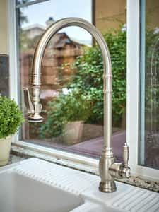 Waterstone Traditional Single Handle Pull Down Kitchen Faucet in Polished Chrome W55003CH