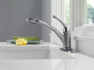 Delta Faucet Signature® Single Handle Pull Out Kitchen Faucet in Polished Chrome D470PROMODST