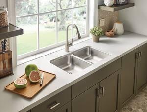 Moen 2000 Series 31-1/4 x 18 in. Stainless Steel Double Bowl Undermount Kitchen Sink MG20214B