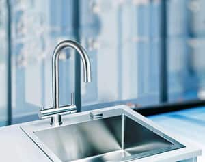 Franke Eos Single Handle Pull Down Kitchen Faucet in Stainless Steel FFF3350