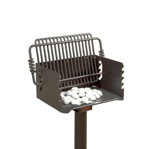 Pilot Rock Q-20 Series 300 sq in. Short Post Grill with Welded Base RQ20B3