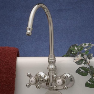 Signature Hardware Two Handle Centerset Bathroom Sink Faucet in Polished Chrome SH329410