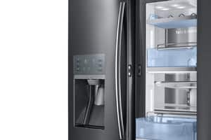 Samsung Twin Cooling Plus™ Freestanding French Door Food Showcase Refrigerator in Black and Stainless Steel SRF28JBEDBSG