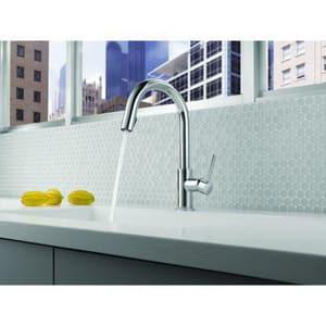 Brizo Solna® Single Handle Pull Down Kitchen Faucet D63020LF