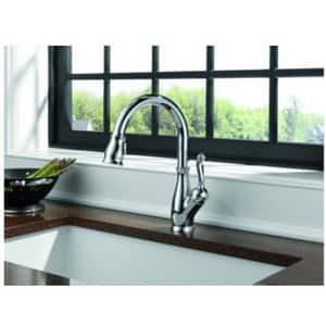 Delta Faucet Leland® Single Handle Pull Down Kitchen Faucet in Arctic Stainless D9178DST