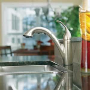 Moen Camerist™ 1.5 gpm 2-Hole Single Lever Handle Kitchen Faucet M7840