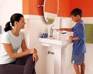 Delta Faucet Lahara® 24 in. Towel Bar D73824