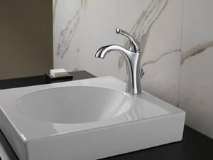 Delta Faucet Addison™ Single Lever Handle Deckmount Lavatory Faucet D592DST