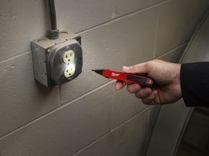 Milwaukee 50/1000V Voltage Detector M220020