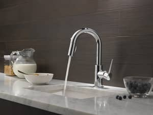 Delta Faucet Trinsic® 1-Hole Pull-Down Bar or Prep Faucet with Single Lever Handle and Magnetic Docking Spray Head D9959DST
