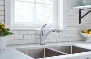 Moen Medina™ 1-Hole Pull-Down Kitchen Faucet with Single Lever Handle in Polished Chrome M87039