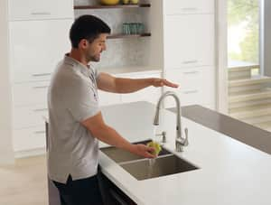 Moen Ridgedale™ MotionSense™ 1.5 gpm 2-Hole Deck Mount Kitchen Sink Faucet with Single Lever Handle and High Arc Pull-Down Spout in Spot Resist Stainless M87340ESRS