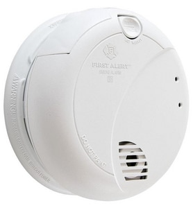First Alert 120V AC Photo Smoke Detector With 9V Battery B7010B