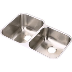 Elkay Gourmet® 31-1/4 x 20-1/2 in. Double Bowl Under-Mount Sink-Right Hand Side Smaller EEGUH3120R