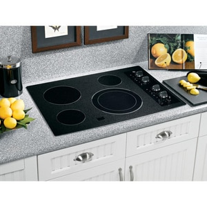 General Electric Appliances 30 in. Built-In Electric Cooktop GJP356BM
