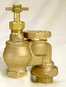 Champion-Arrowhead Brass Anti-Siphon Valve with Union and Wheel Handle C466W100Y