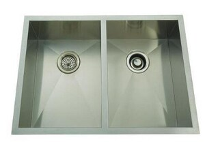 Mirabelle 29 x 20 in. Double Bowl Kitchen Sink with 50/50 Split MIRUC2920ZE