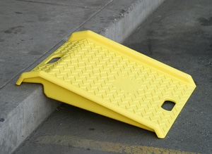 Eagle Manufacturing Poly Curb Ramp in Yellow E1794