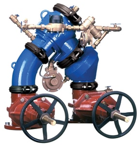 Wilkins Regulator Grooved x Flanged Ductile Iron Backflow Preventer with Outside Stem, Yoke Gate Valve and Wheel Handle W475DALF