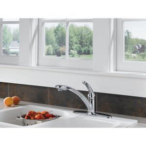 Delta Faucet Signature™ 1.8 gpm Single Lever Handle Deckmount Kitchen Sink Faucet 120 Degree Swivel Pull-Out Spout 3/8 in. Compression Connection D470DST